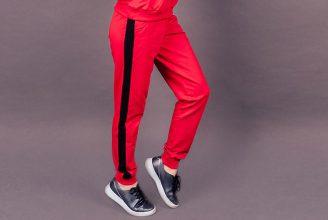 adidasのラインパンツも。サイドラインパンツの秋冬おすすめコーデ