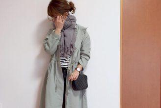GUドローストリングフーデッドコートのコーデ。サイズ感も分かる。