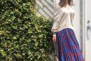 【titivate(ティティベイト)】花柄プリーツロングスカートのコーデ。サイズ感も