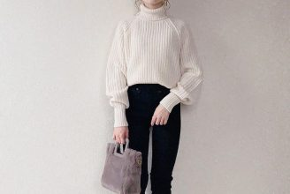 【ユニクロユー】ローゲージタートルネックセーターのコーデ。サイズ感も